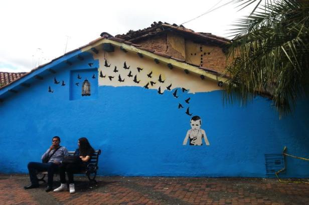 Bogota street art - Inspired by Banksy - Latinamerikaliv