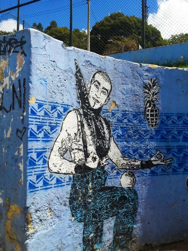 Bogotá graffiti - International fruit companies violence - Latinamerikaliv