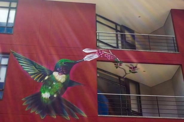Bogotá street art - Restaurante Sant Just - Latinamerikaliv