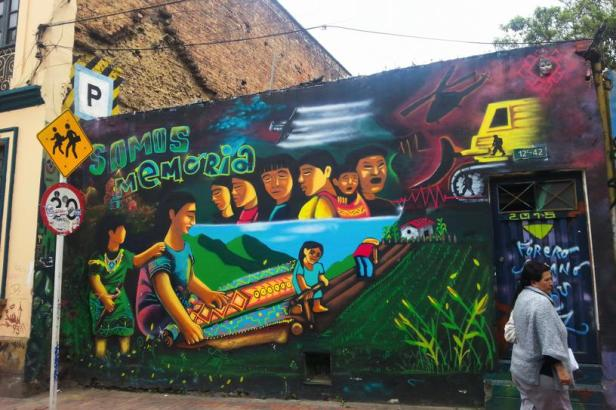 Somos memoria - Bogotá street art - By Latinamerikaliv