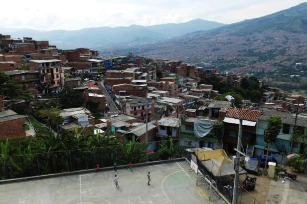 Medellín - by Latinamerikaliv 03