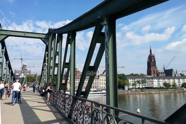 Latinamerikaliv_Frankfurt_Bridge